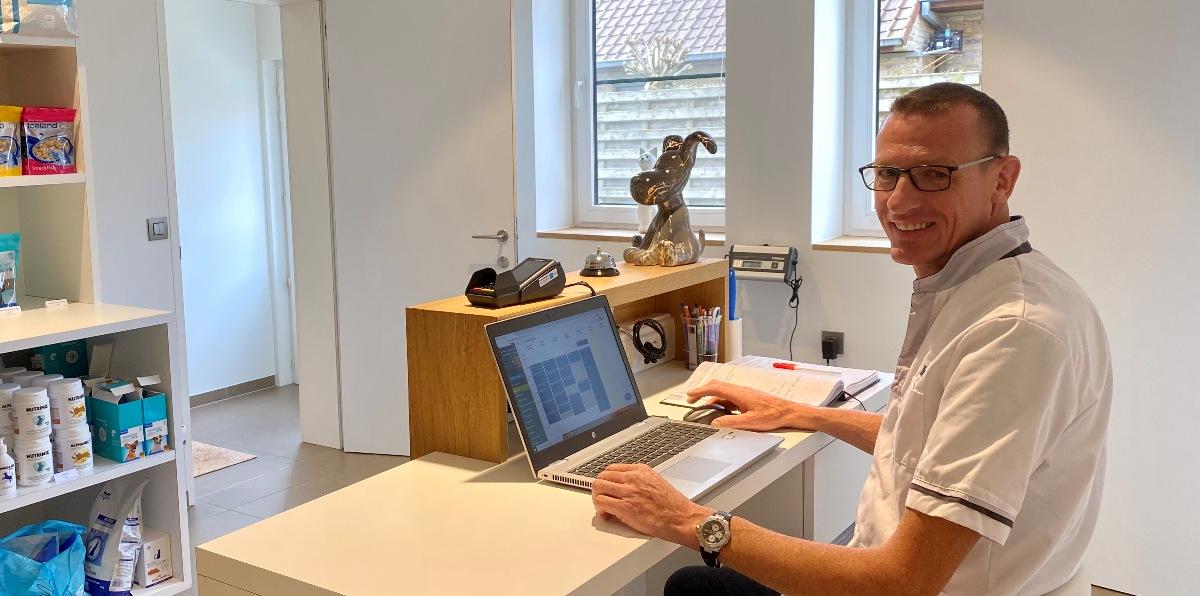 dierenarts hondenosteopaat Debyser uit West-Vlaanderen